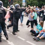 Más de 500 personas detenidas en una protesta no autorizada contra las medidas anticovid en Berlín